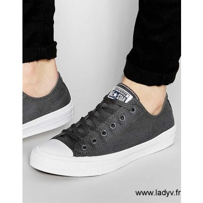 converses homme taille 43